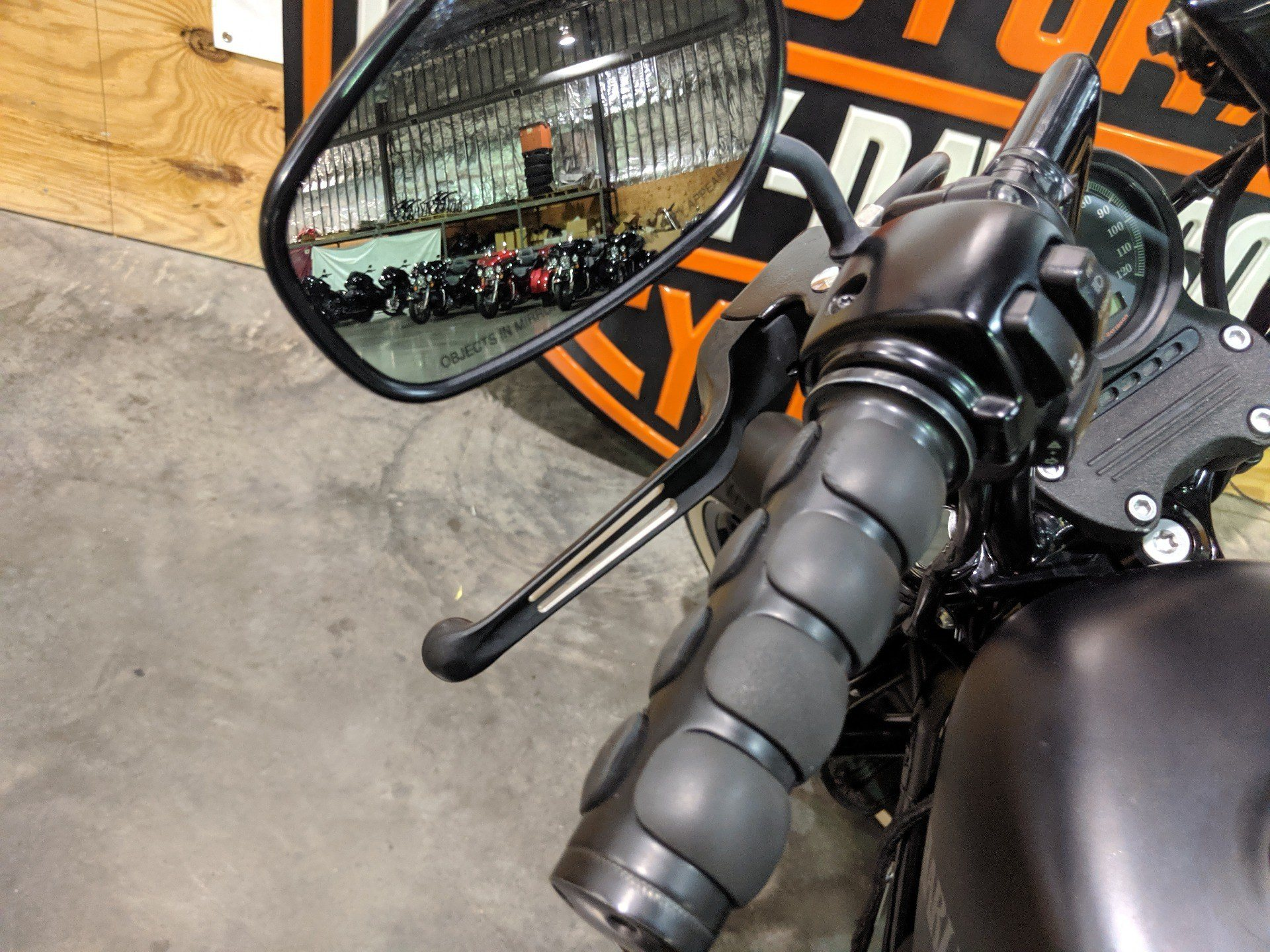 2013 Harley-Davidson XL883N in Columbia, Tennessee - Photo 8