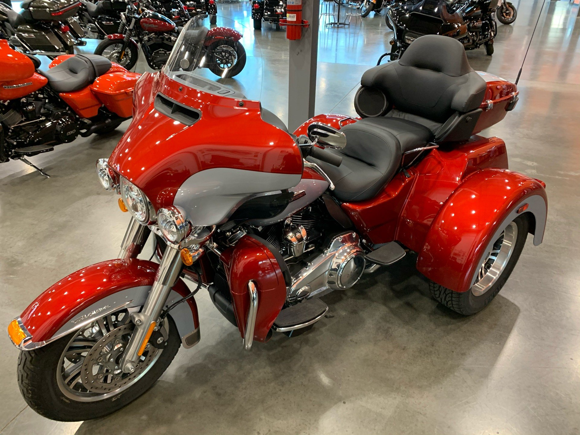 2019 Harley-Davidson Flhtcutg in Columbia, Tennessee - Photo 4