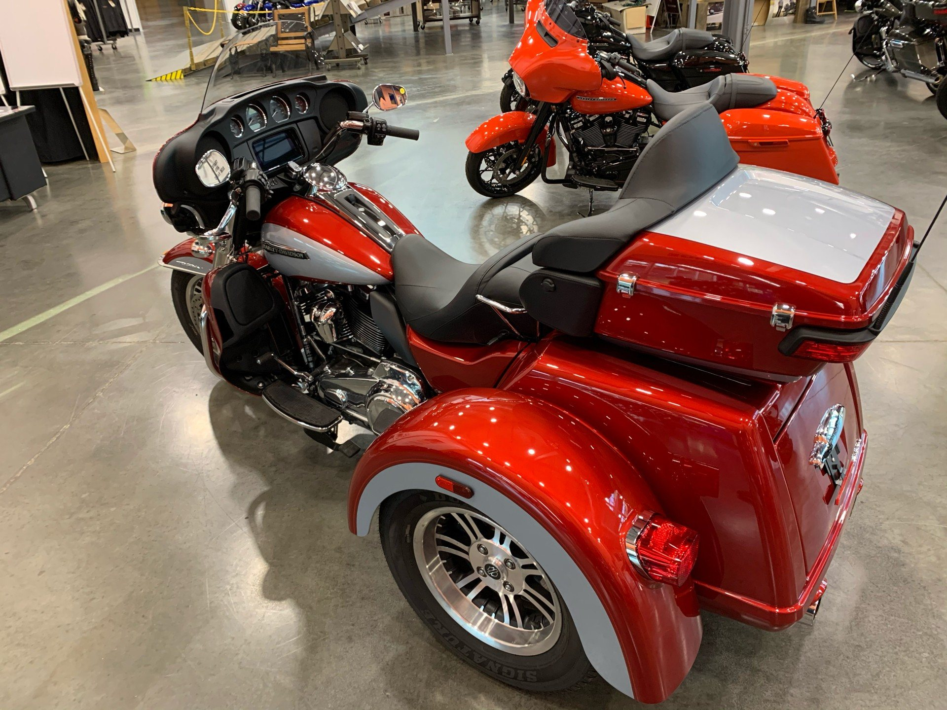 2019 Harley-Davidson Flhtcutg in Columbia, Tennessee - Photo 6