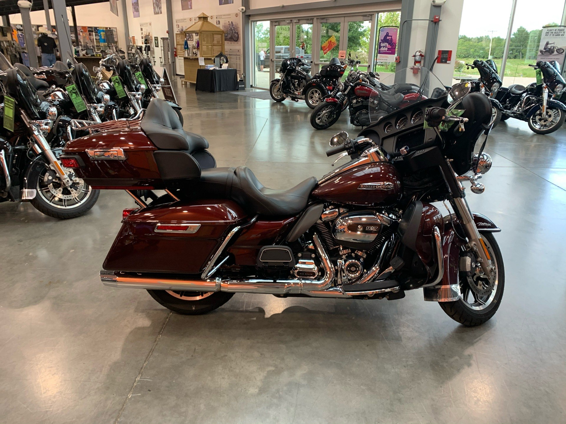 2019 Harley-Davidson FLHTCU in Columbia, Tennessee - Photo 1