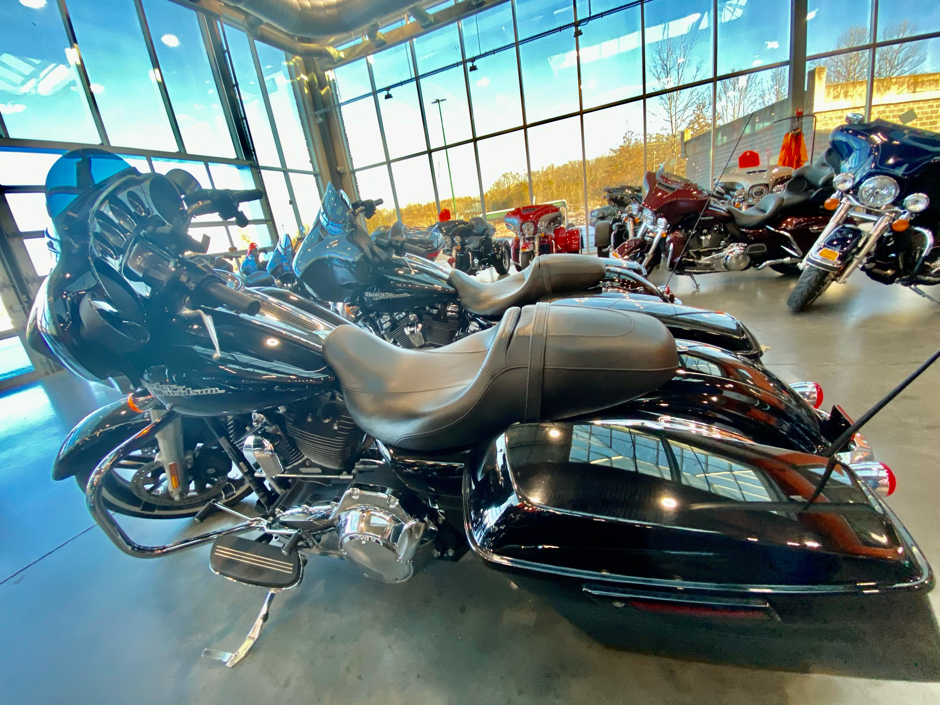 2017 Harley-Davidson FLHXS STRE in Columbia, Tennessee - Photo 2