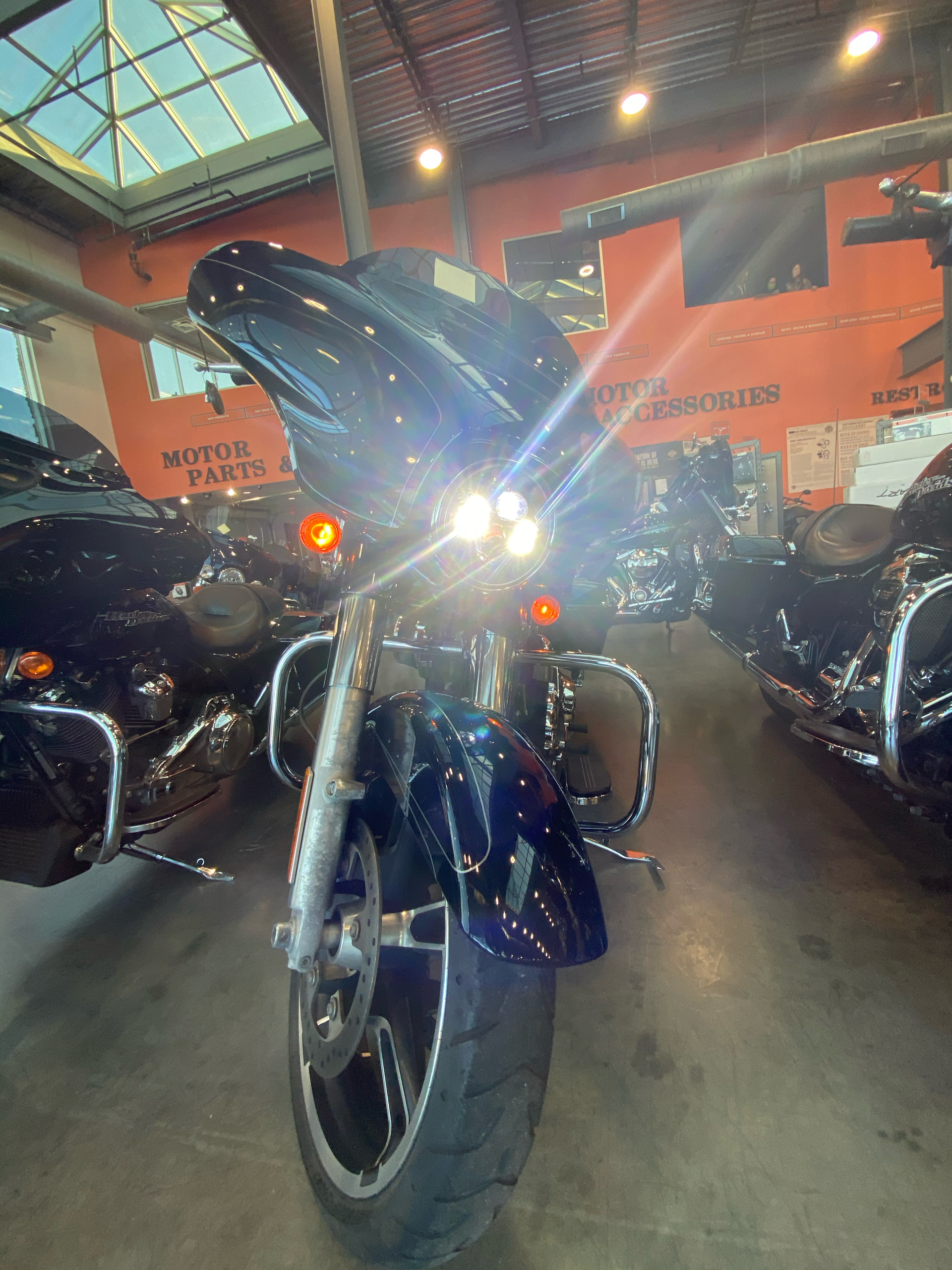 2017 Harley-Davidson FLHXS STRE in Columbia, Tennessee - Photo 5