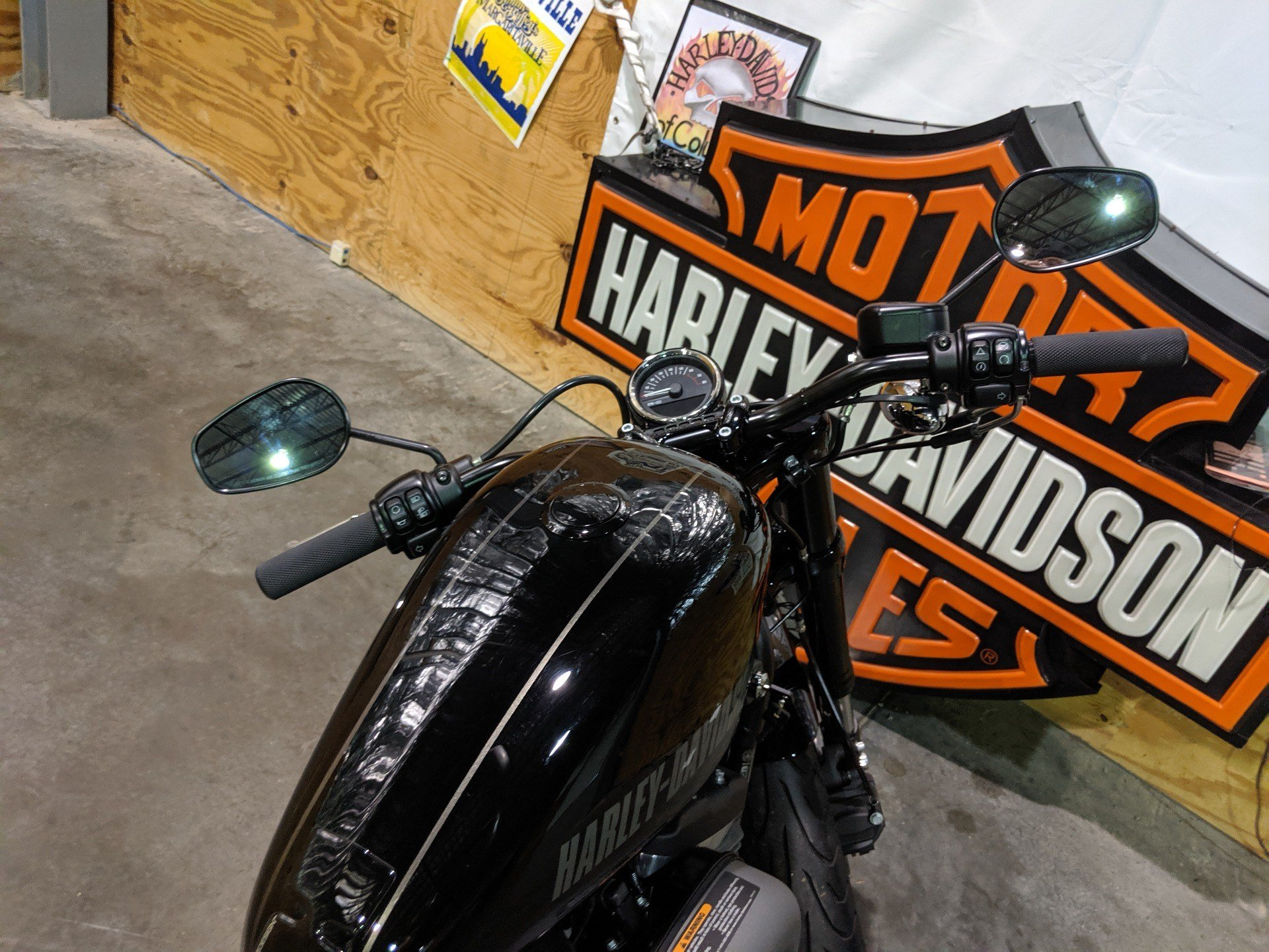 2016 Harley-Davidson Roadster™ in Columbia, Tennessee - Photo 8