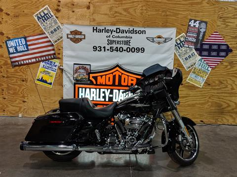 2017 Harley-Davidson flhx in Columbia, Tennessee