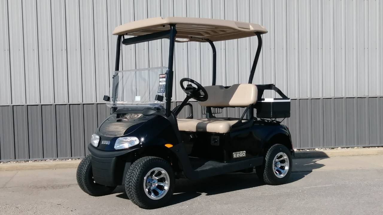 2017 E-Z-Go Golf Freedom RXV Gas in Atlantic, Iowa