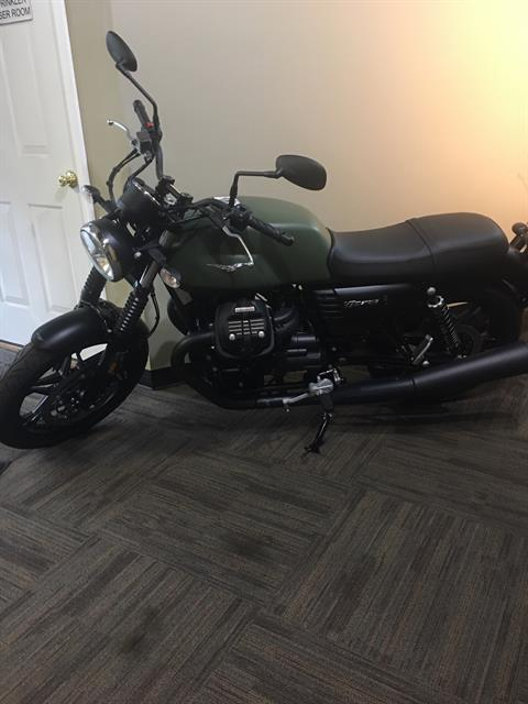2018 Moto Guzzi V7 III Stone in Woodstock, Illinois