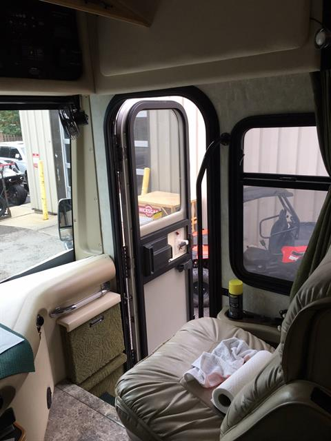 2005 Other FLEETWOOD EXCURSION 39L in Woodstock, Illinois