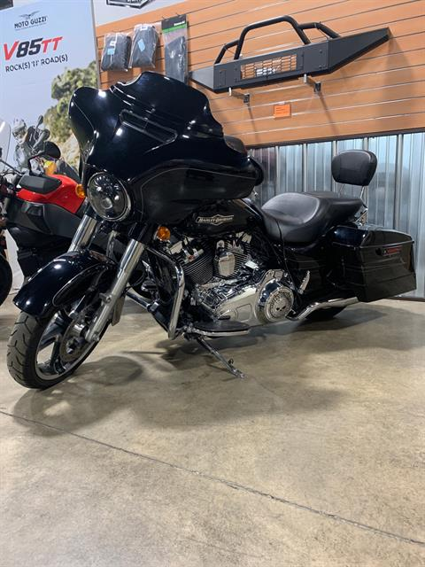 2015 Harley-Davidson Street Glide® in Woodstock, Illinois - Photo 2