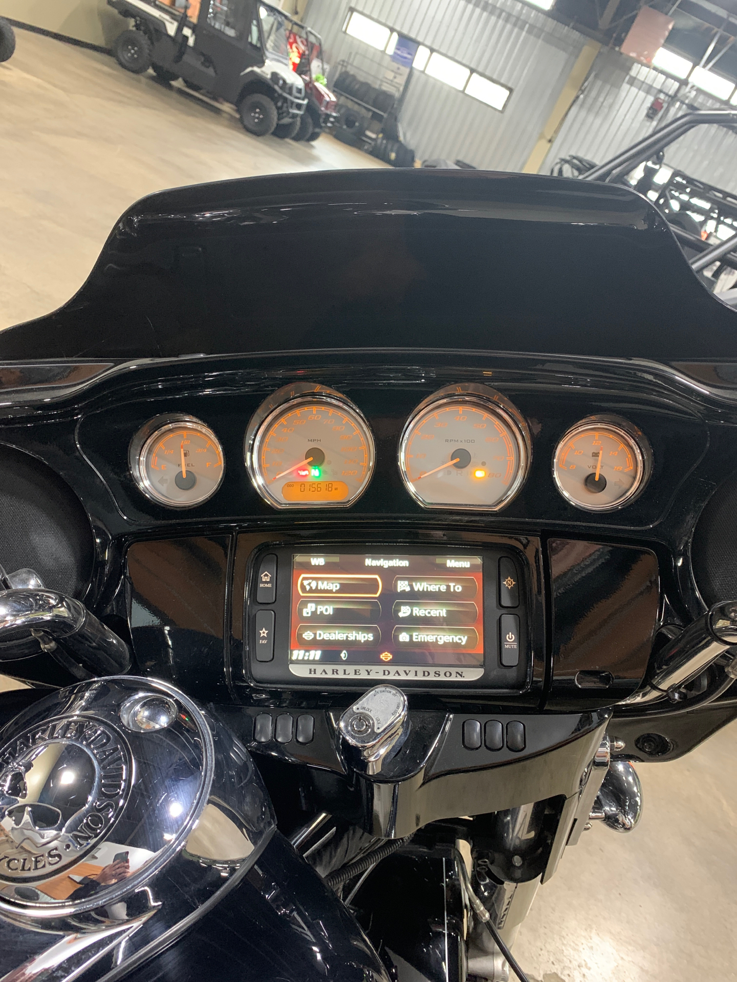 2015 Harley-Davidson Street Glide® in Woodstock, Illinois - Photo 5