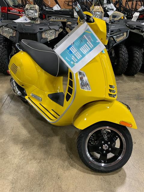 2020 Vespa GTS Super 300 HPE in Woodstock, Illinois - Photo 1