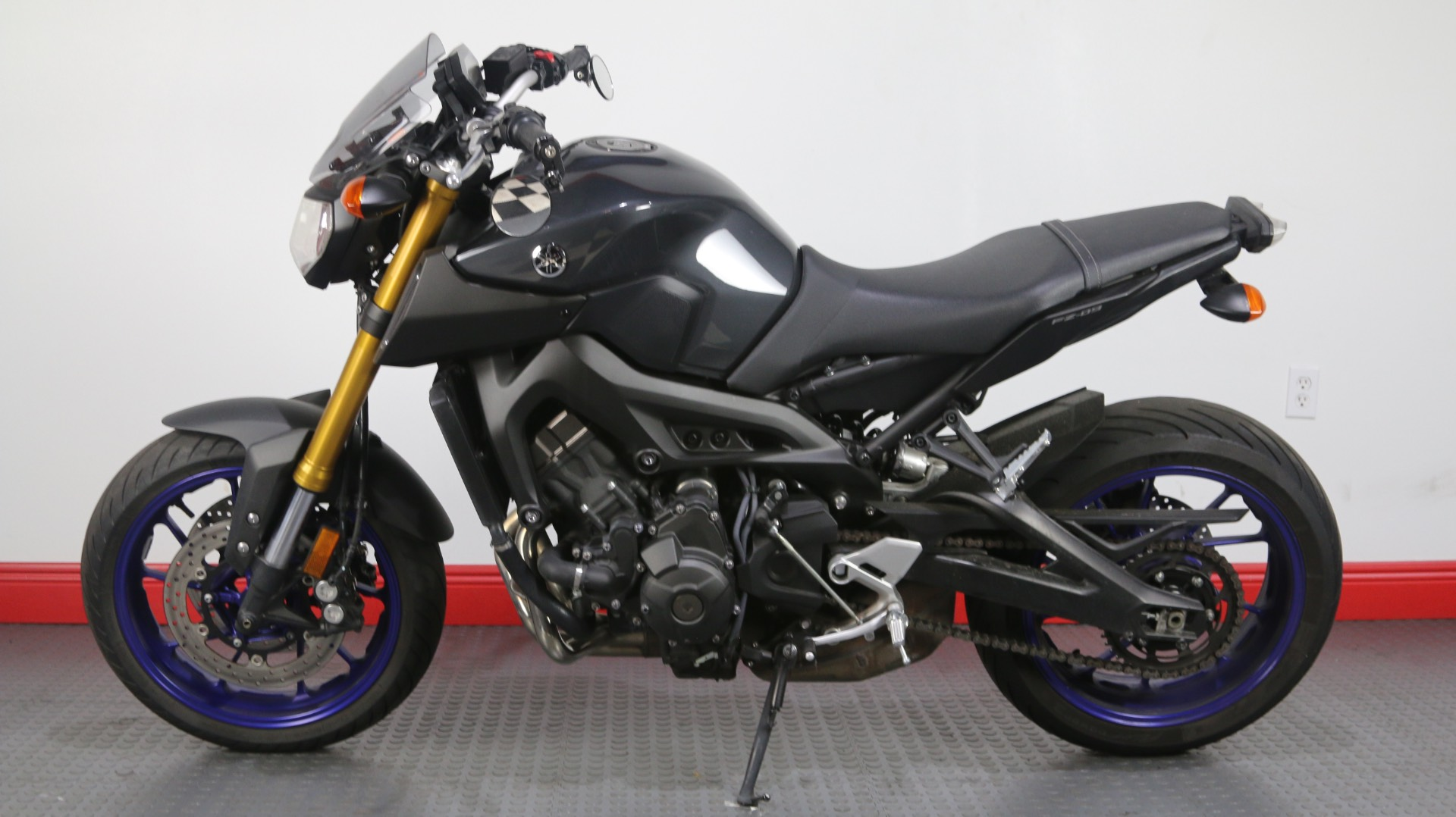 2014 Yamaha FZ-09 in Tampa, Florida