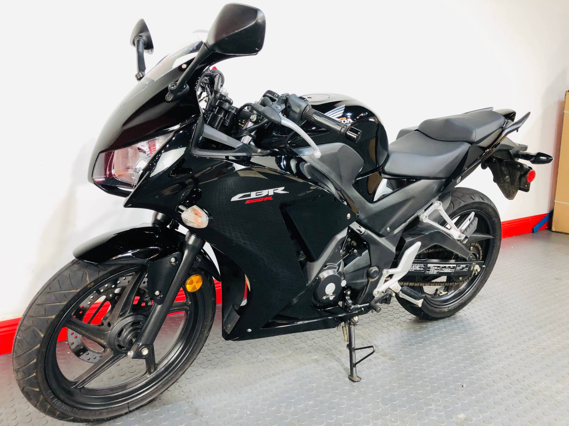2016 Honda CBR300R ABS in Tampa, Florida - Photo 11