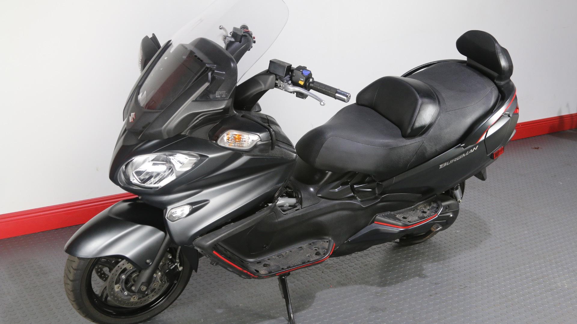 2016 Suzuki Burgman 650 Executive ABS in Tampa, Florida
