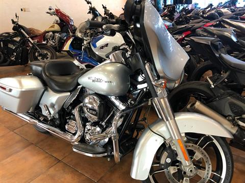 2014 Harley-Davidson Street Glide® in Pinellas Park, Florida - Photo 5