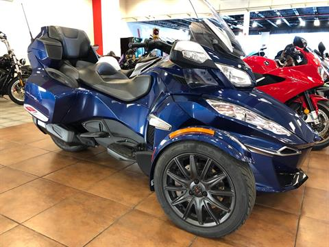 2016 Can-Am Spyder RT-S SE6 in Pinellas Park, Florida - Photo 3