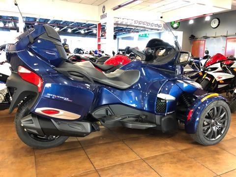 2016 Can-Am Spyder RT-S SE6 in Pinellas Park, Florida - Photo 4