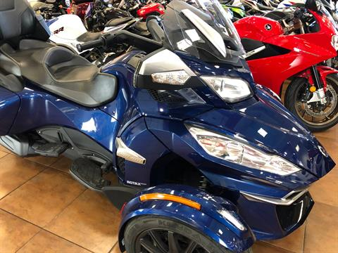 2016 Can-Am Spyder RT-S SE6 in Pinellas Park, Florida - Photo 5
