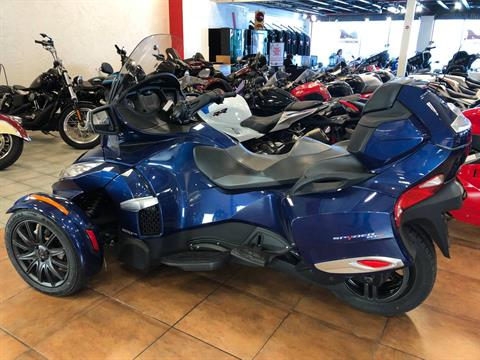 2016 Can-Am Spyder RT-S SE6 in Pinellas Park, Florida - Photo 11