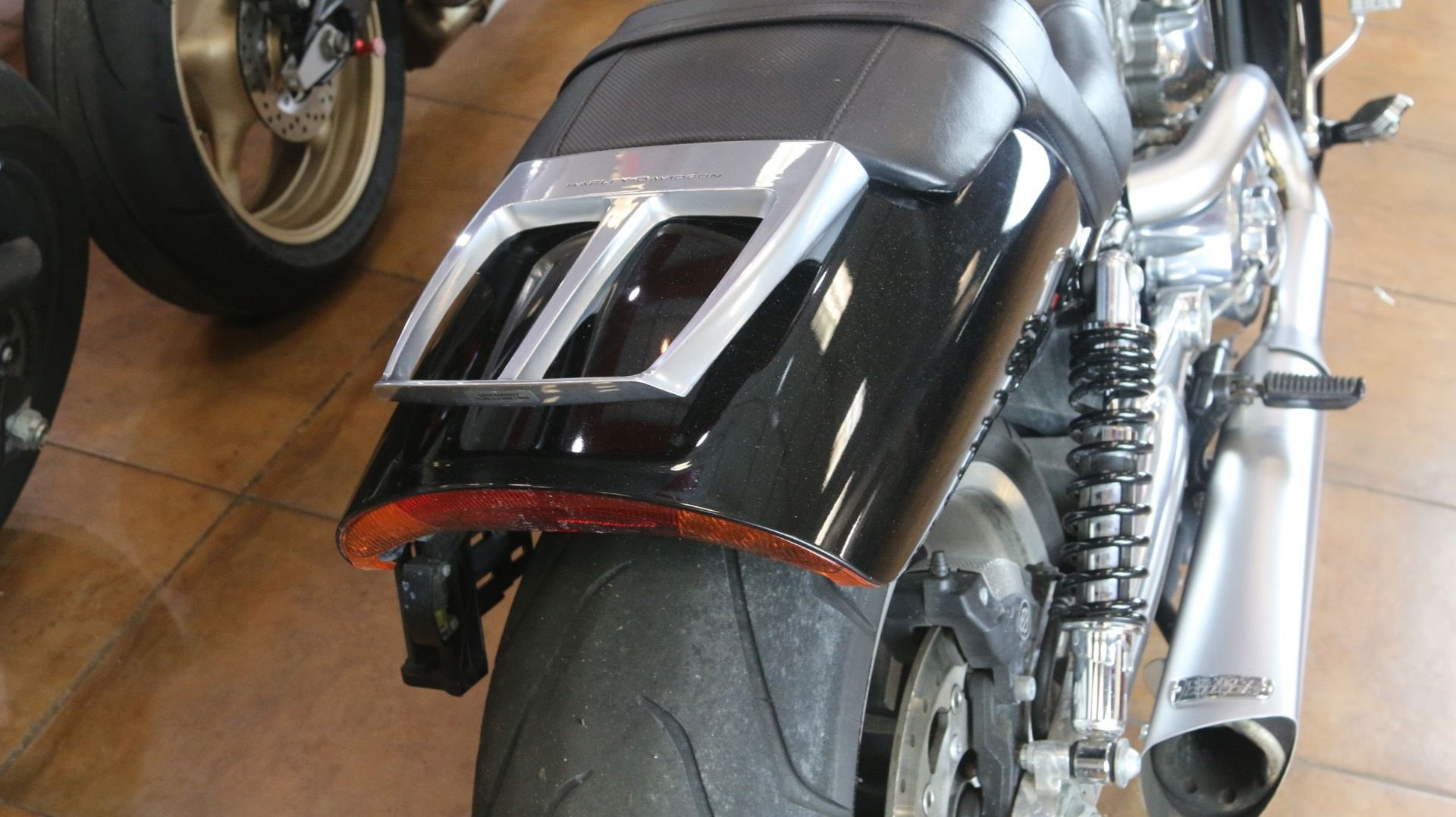 2015 Harley-Davidson V-Rod Muscle® in Pinellas Park, Florida - Photo 9