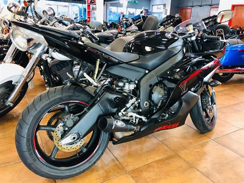 2015 Yamaha YZF-R6 in Pinellas Park, Florida - Photo 4