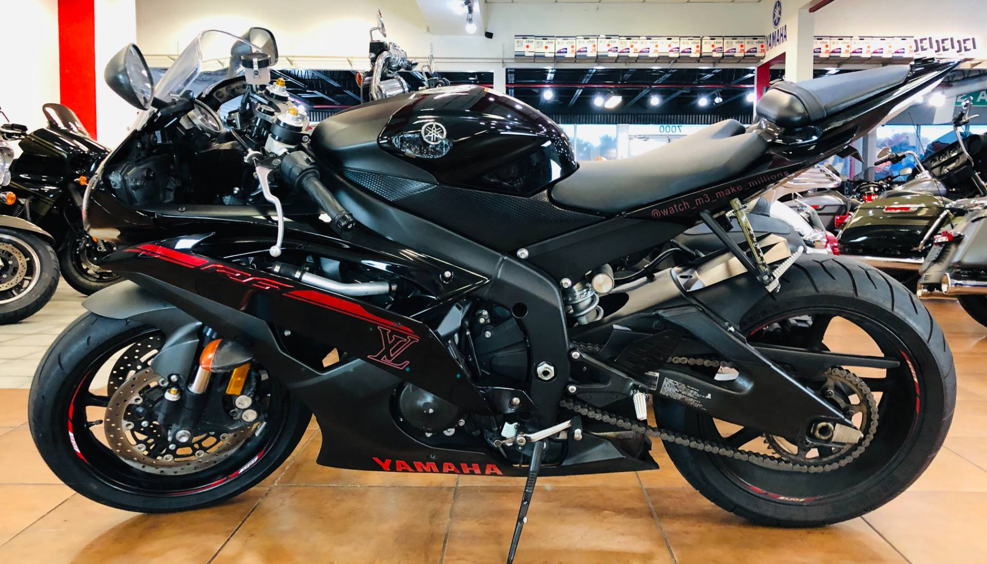 2015 Yamaha YZF-R6 in Pinellas Park, Florida - Photo 2