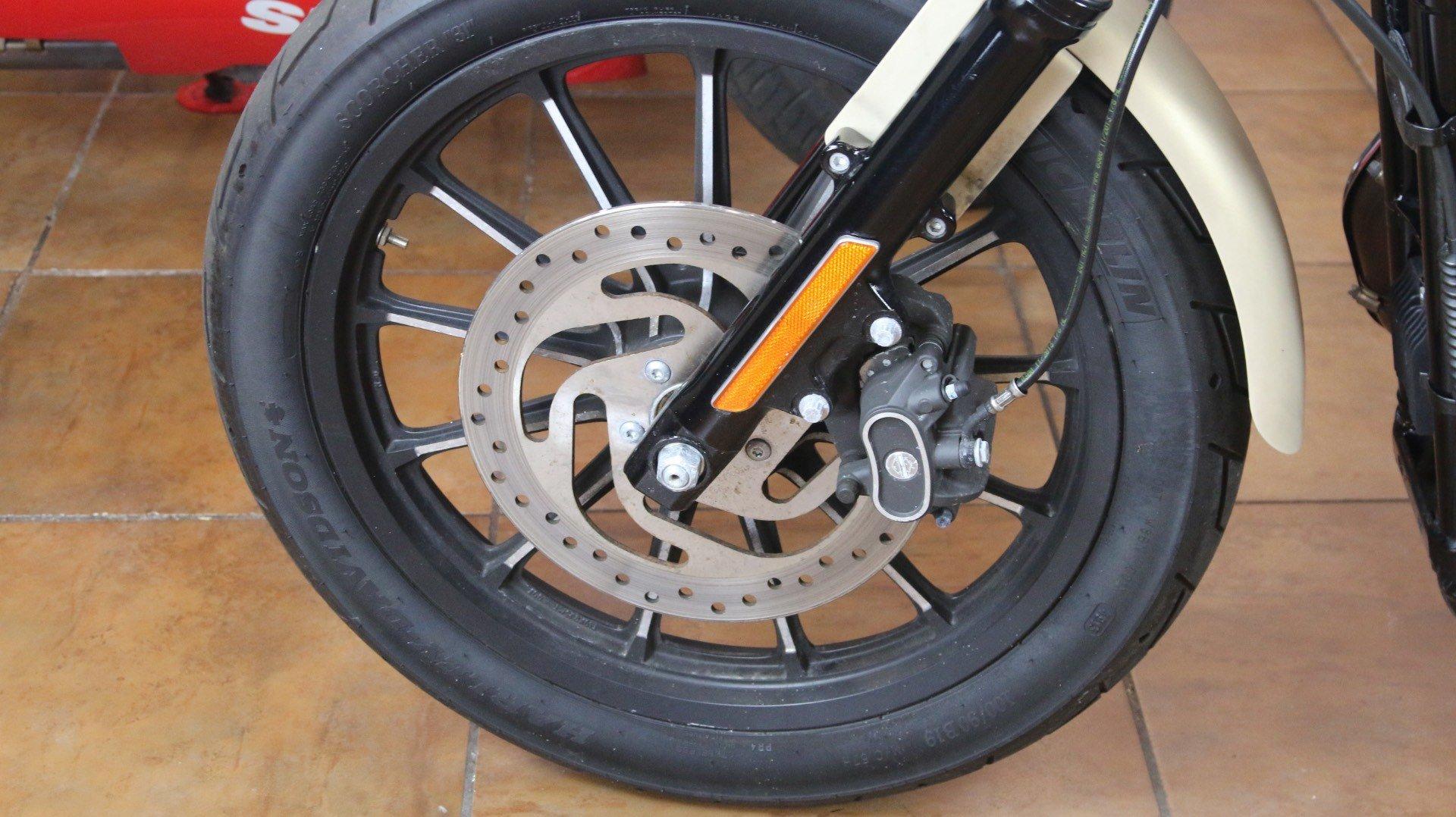 2014 Harley-Davidson Sportster® Iron 883™ in Pinellas Park, Florida