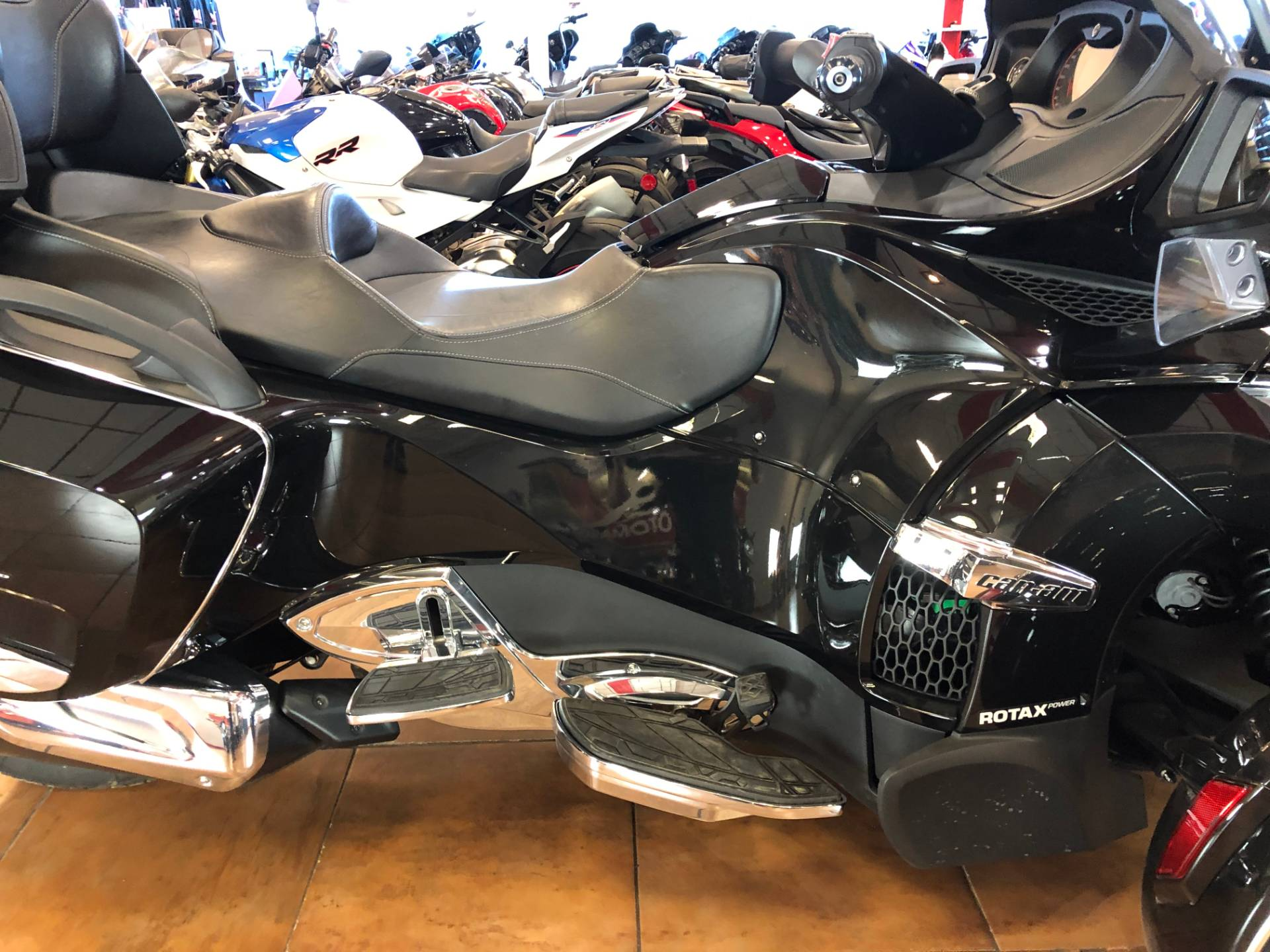 2016 Can-Am Spyder RT-S SE6 Limited in Pinellas Park, Florida - Photo 6