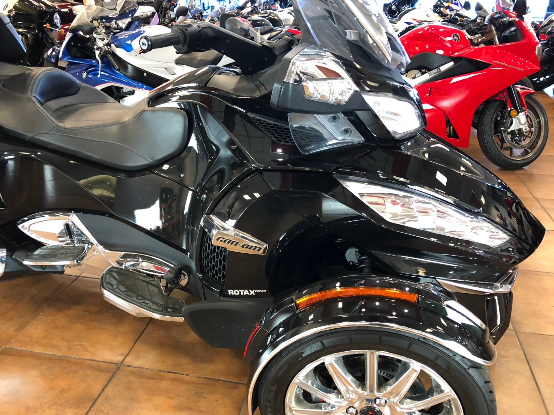 2016 Can-Am Spyder RT-S SE6 Limited in Pinellas Park, Florida - Photo 8