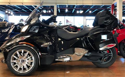 2016 Can-Am Spyder RT-S SE6 Limited in Pinellas Park, Florida - Photo 2
