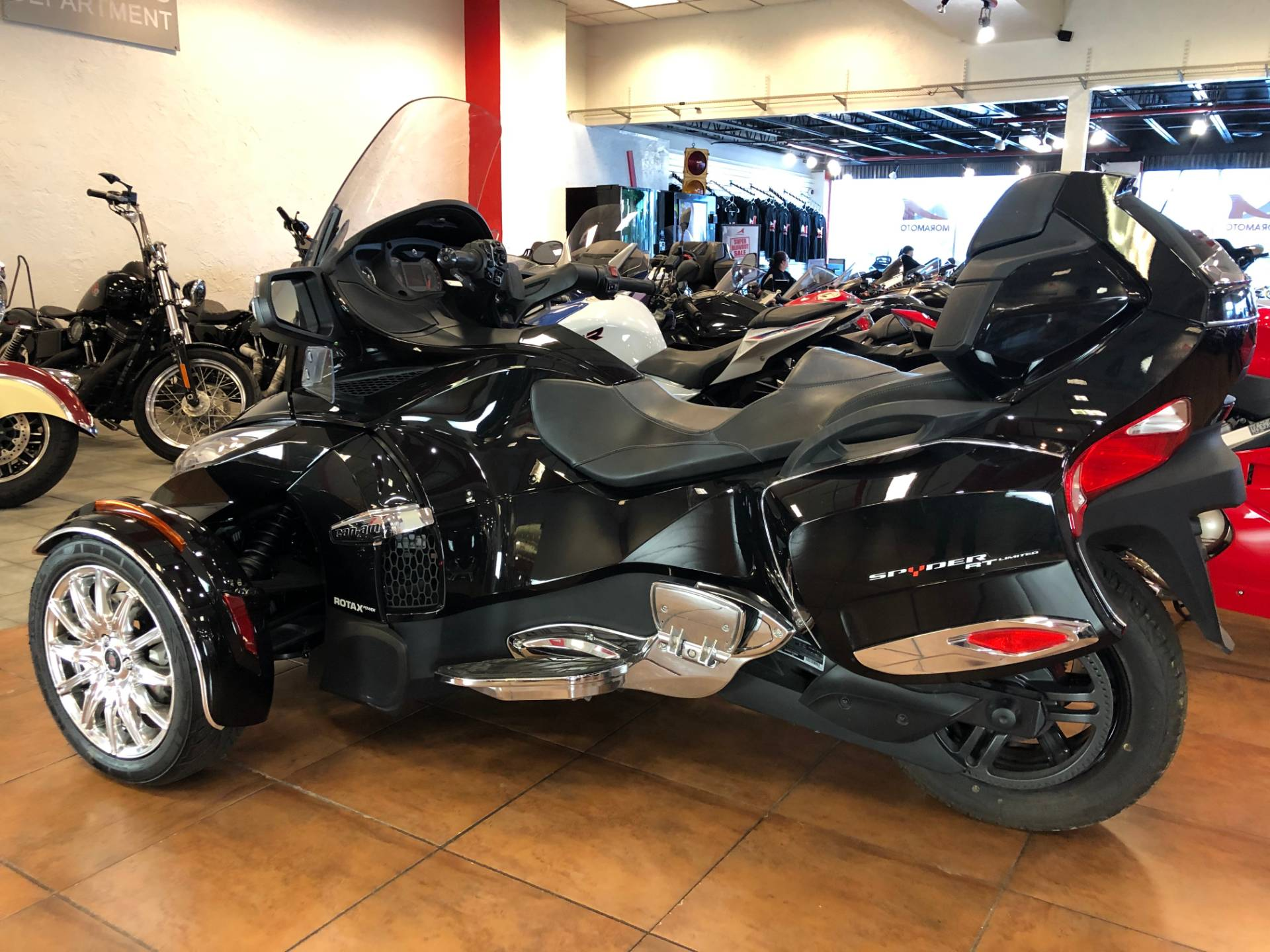 2016 Can-Am Spyder RT-S SE6 Limited in Pinellas Park, Florida - Photo 11