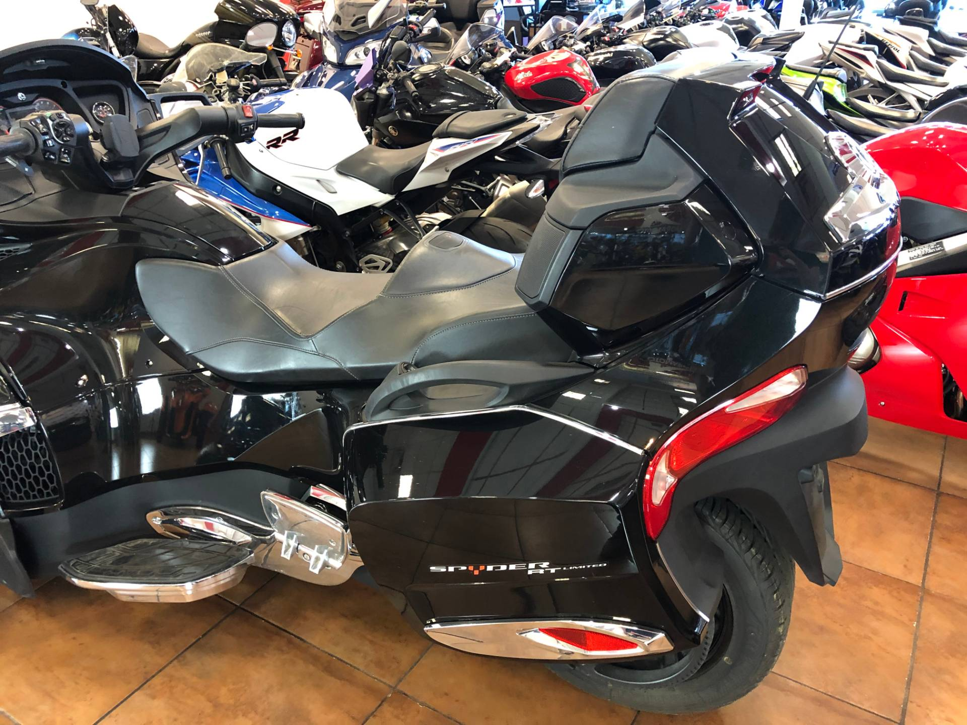 2016 Can-Am Spyder RT-S SE6 Limited in Pinellas Park, Florida - Photo 13
