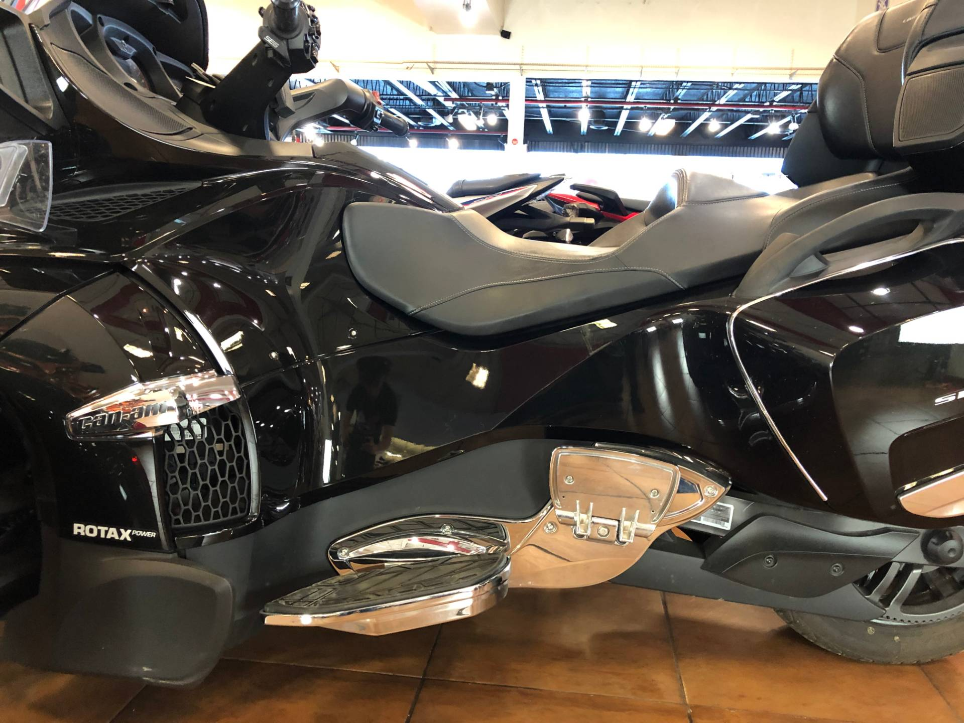 2016 Can-Am Spyder RT-S SE6 Limited in Pinellas Park, Florida - Photo 14