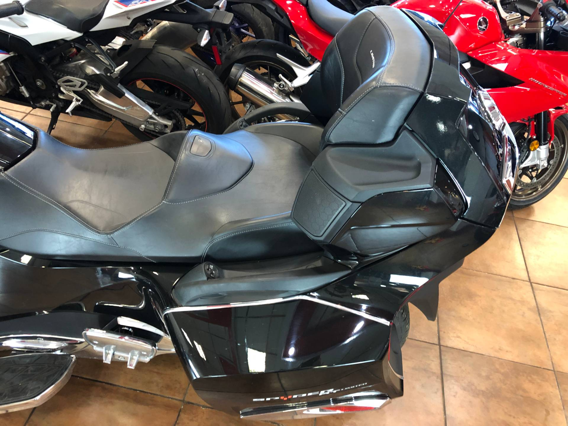 2016 Can-Am Spyder RT-S SE6 Limited in Pinellas Park, Florida - Photo 16