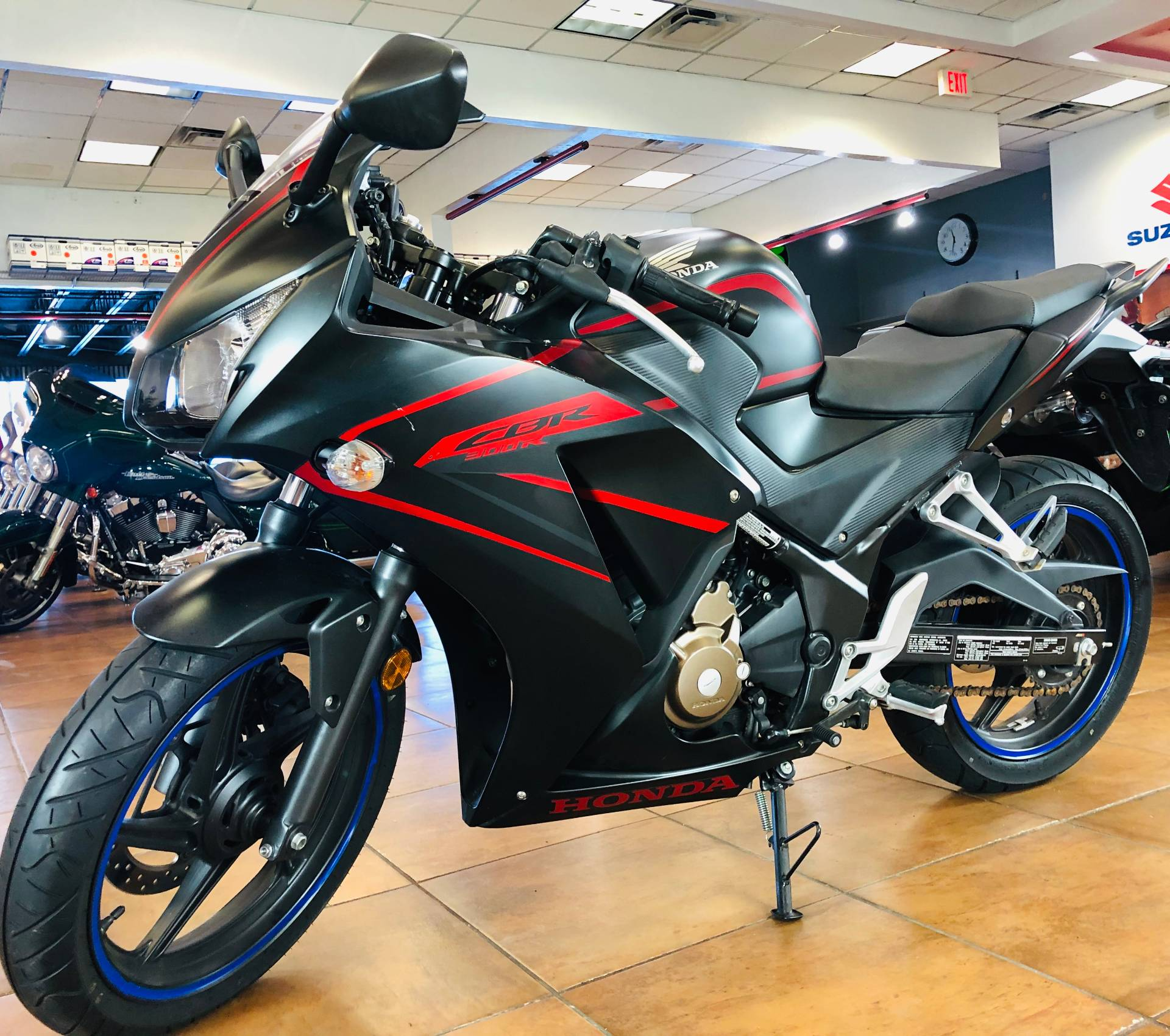 2018 Honda CBR300R in Pinellas Park, Florida - Photo 11