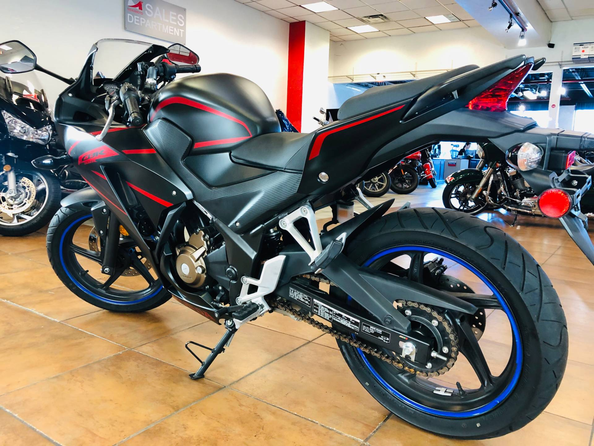 2018 Honda CBR300R in Pinellas Park, Florida - Photo 12