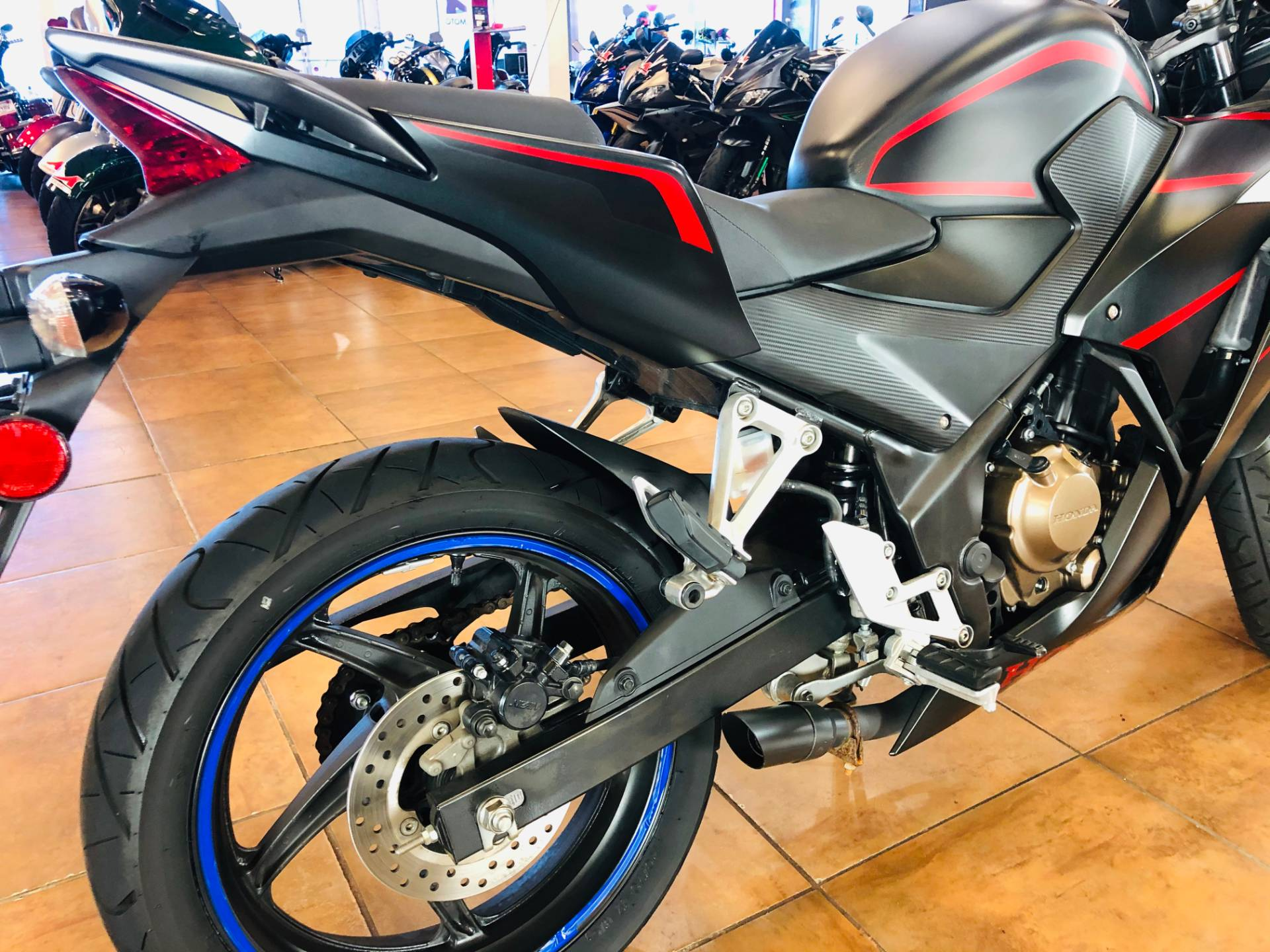 2018 Honda CBR300R in Pinellas Park, Florida - Photo 7