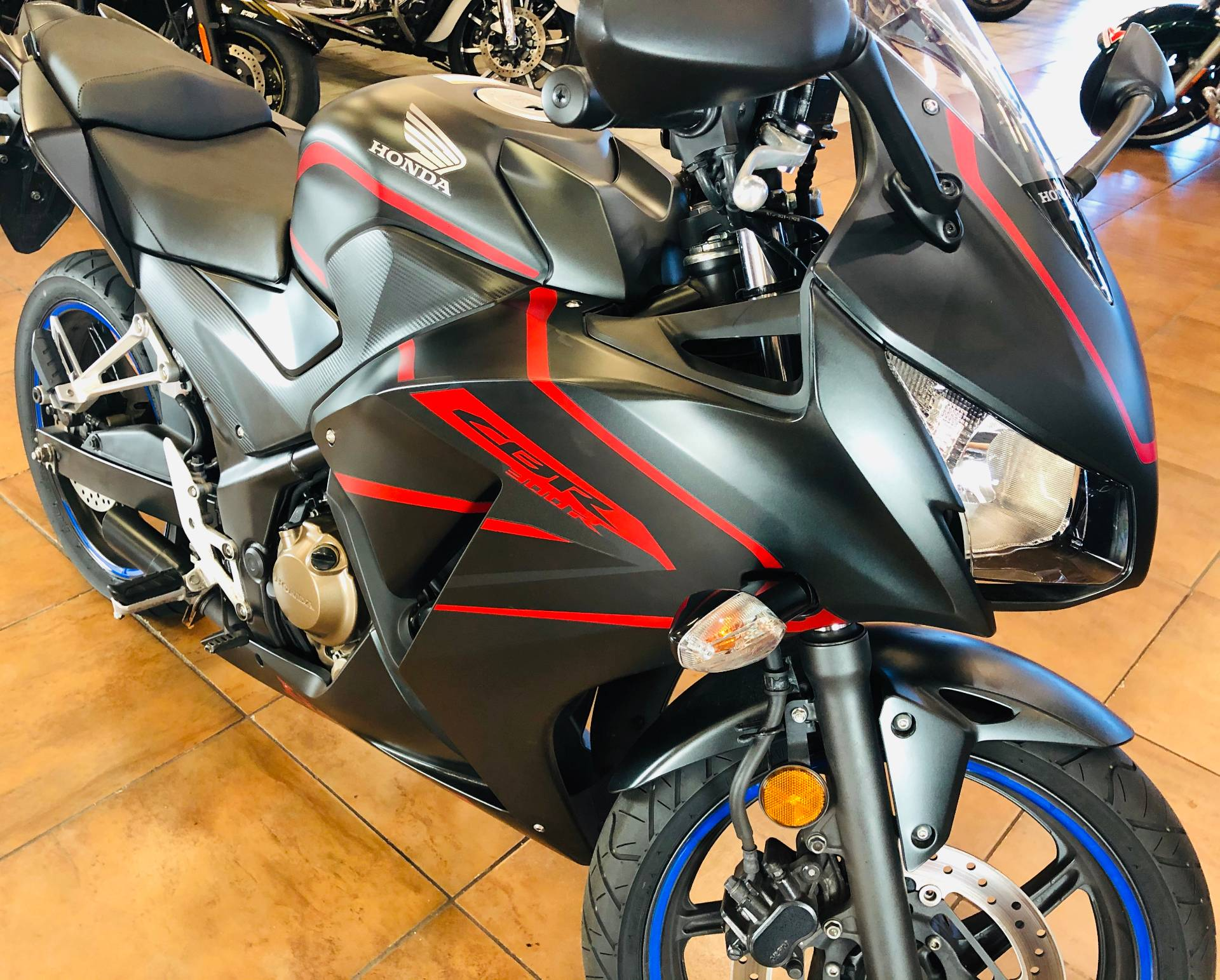 2018 Honda CBR300R in Pinellas Park, Florida - Photo 5
