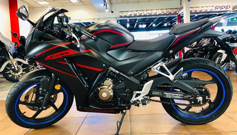 2018 Honda CBR300R in Pinellas Park, Florida - Photo 2