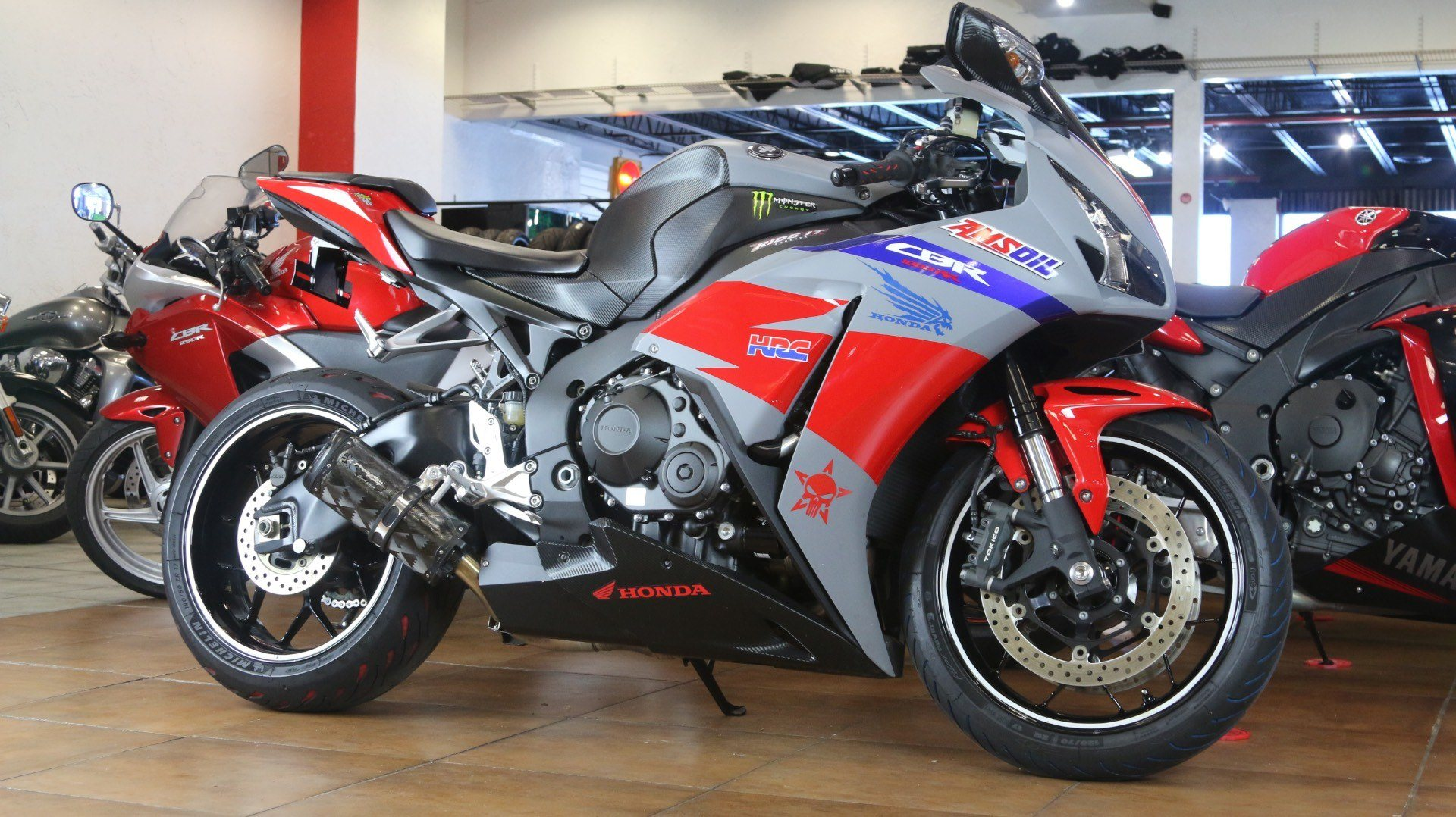 2015 Honda CBR®1000RR in Pinellas Park, Florida - Photo 2