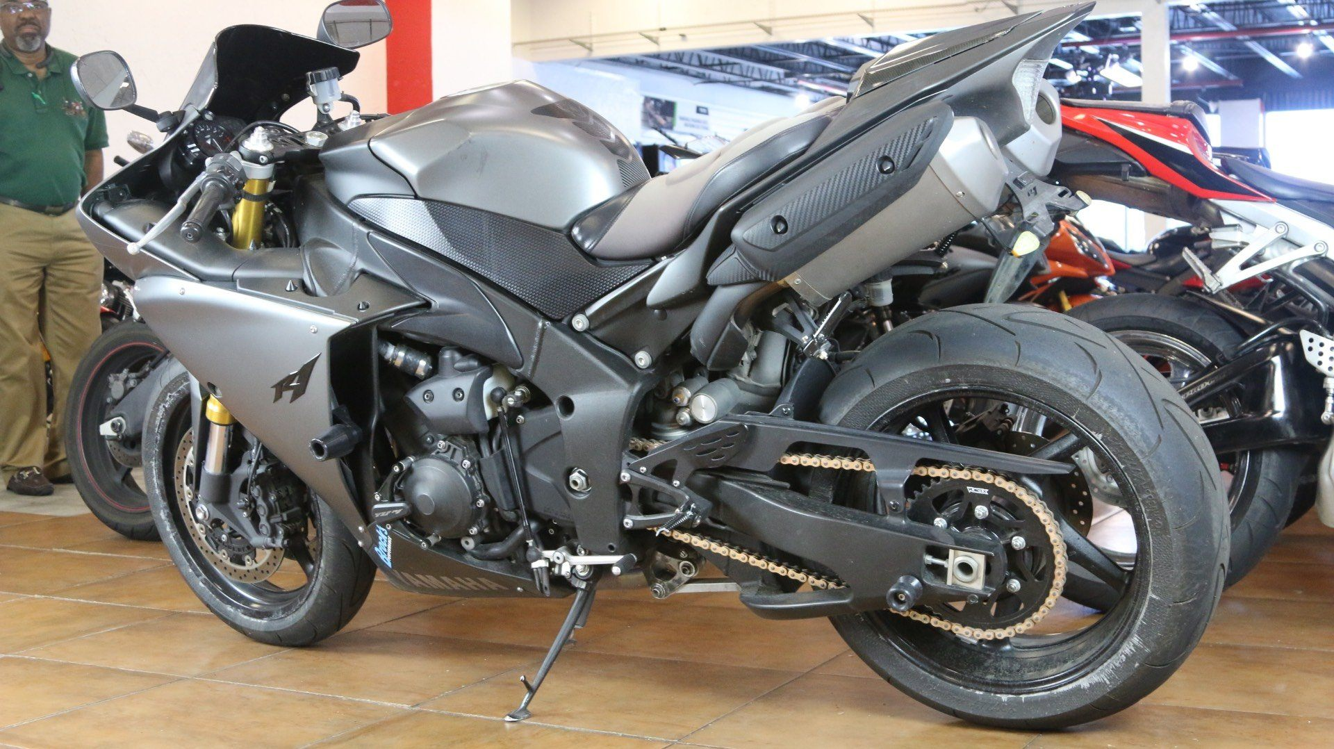 2014 Yamaha YZF-R1 in Pinellas Park, Florida - Photo 12