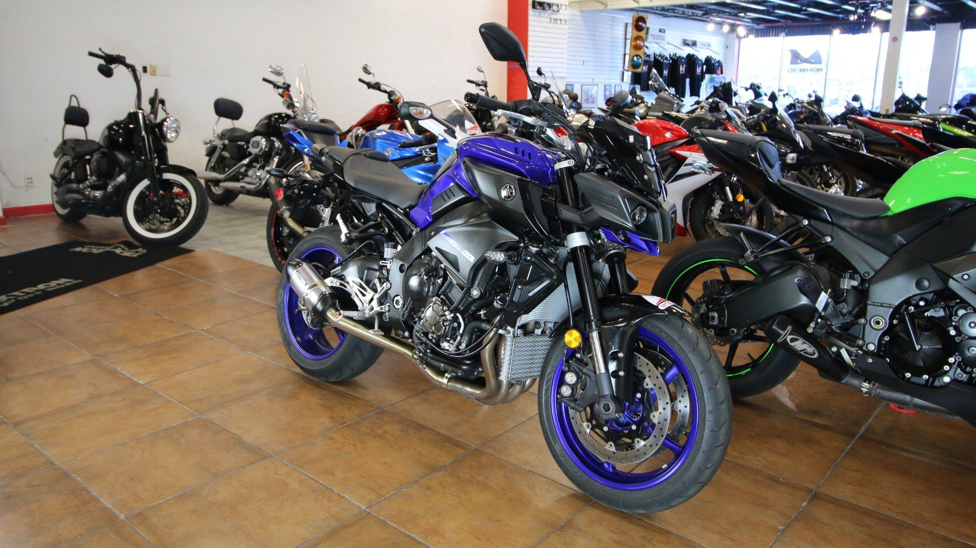 2018 Yamaha MT-10 in Pinellas Park, Florida - Photo 2