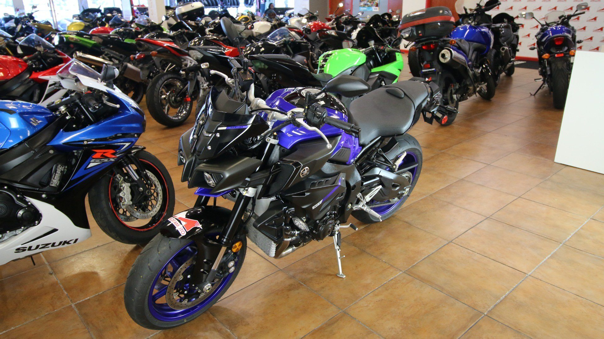 2018 Yamaha MT-10 in Pinellas Park, Florida - Photo 11