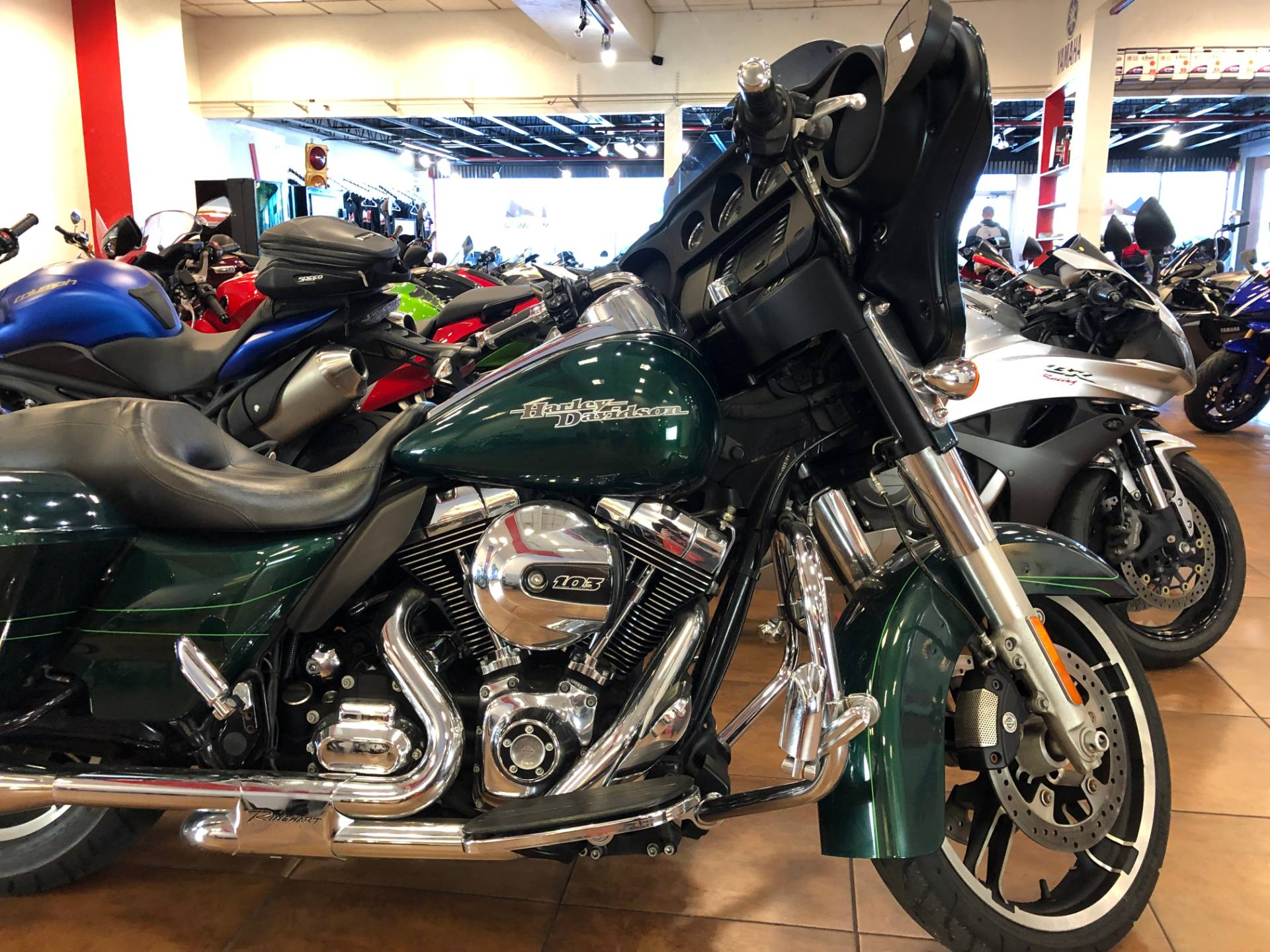 2015 Harley-Davidson Street Glide® in Pinellas Park, Florida - Photo 6