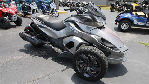 2013 Can-Am Spyder® ST-S SE5 in Pinellas Park, Florida - Photo 2