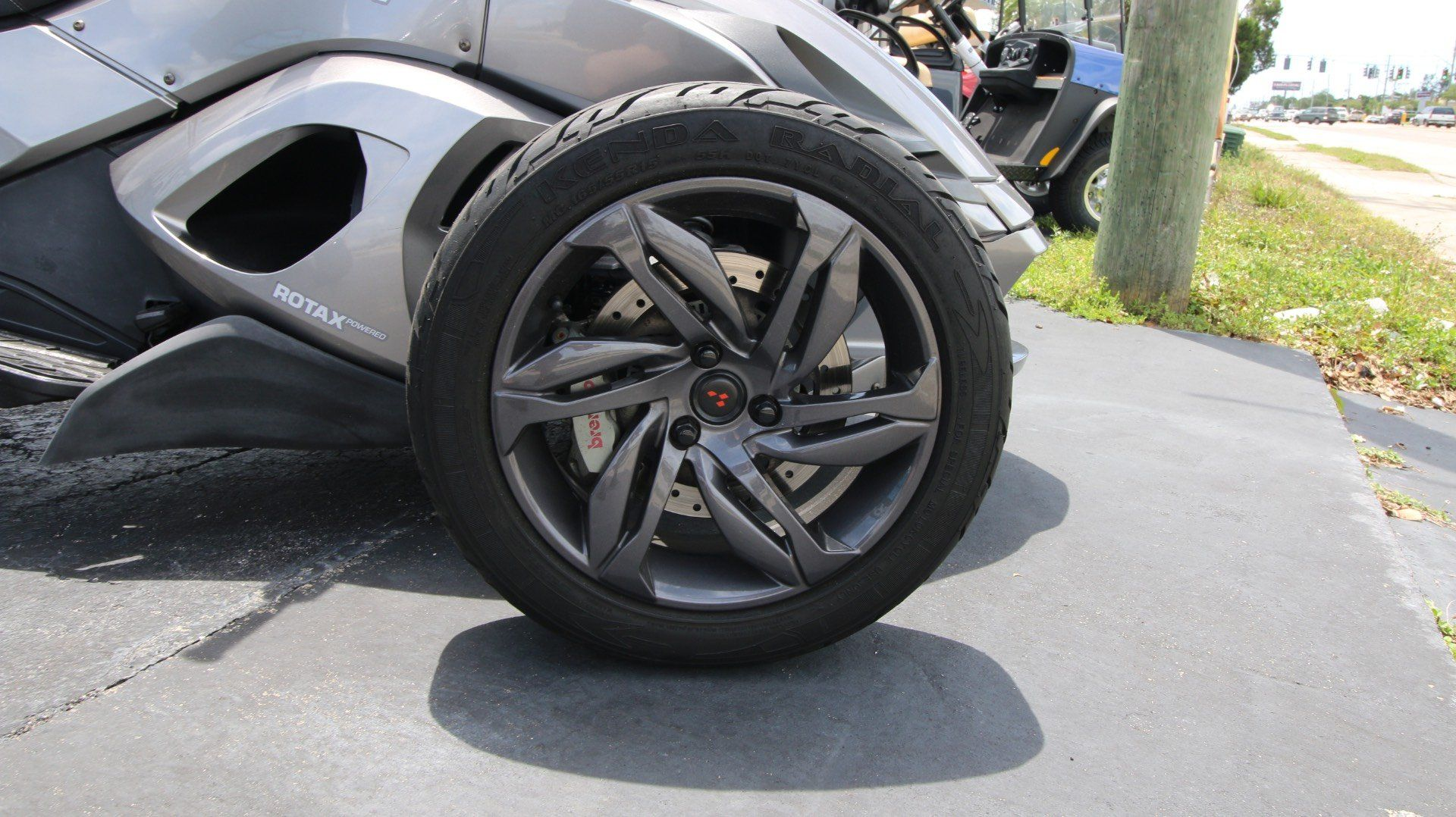 2013 Can-Am Spyder® ST-S SE5 in Pinellas Park, Florida - Photo 4