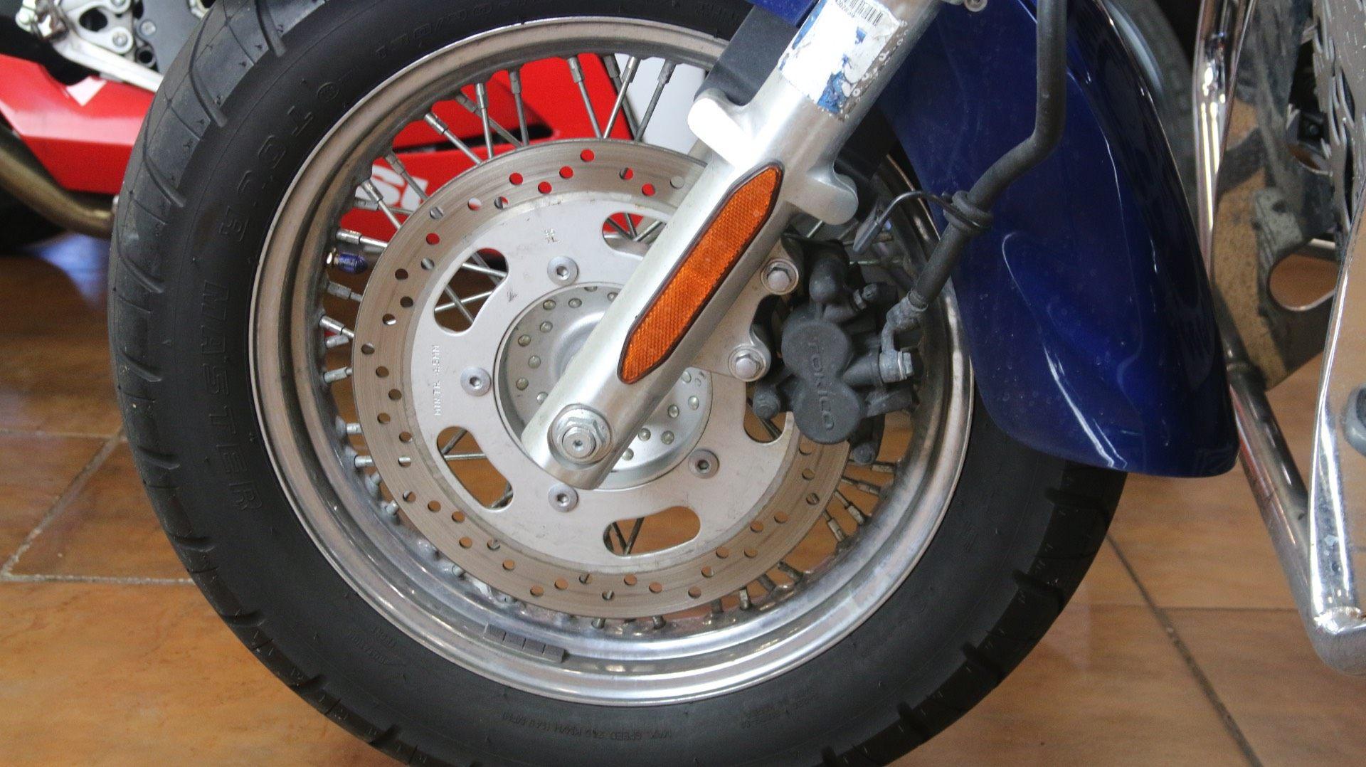 2008 Kawasaki Vulcan® 900 Classic in Pinellas Park, Florida