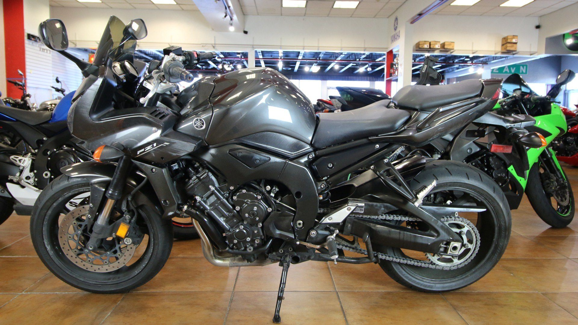 2015 Yamaha FZ1 in Pinellas Park, Florida - Photo 10