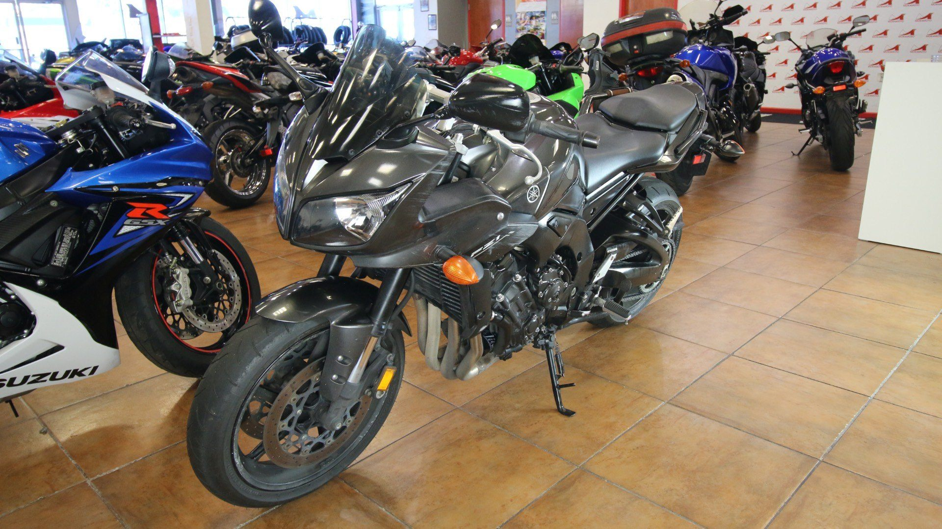 2015 Yamaha FZ1 in Pinellas Park, Florida - Photo 11