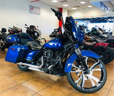 2017 Harley-Davidson Street Glide® Special in Pinellas Park, Florida - Photo 3