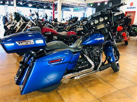 2017 Harley-Davidson Street Glide® Special in Pinellas Park, Florida - Photo 4